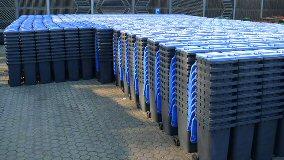 Blaue Tonnen für Altpapier